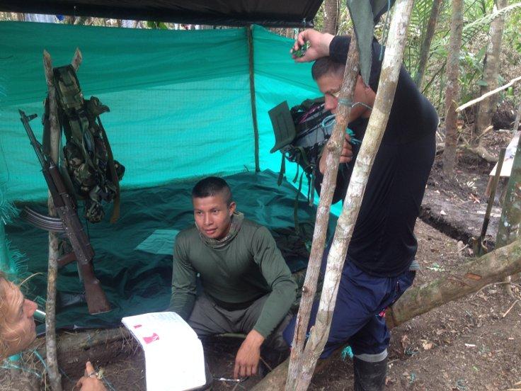 FARC üyesi Martinez'in kardeşi de Kolombiya ordusuyla savaşmış.