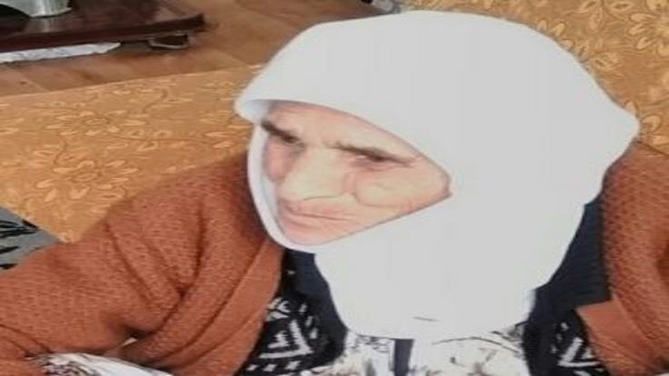 Ayşe Sezek,''Babam cezaevine girdikten sonra annem de hastalandı. Şu an annem 5 gündür hastanede yatıyor'' diyor.