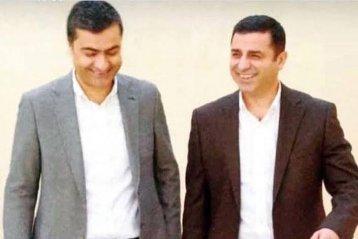 4 Kasım 2016'dan beri Edirne F Tipi Kapalı Cezaevi'nde tutuklu bulunan HDP Eş Genel Başkanı Selahattin Demirtaş ile Hakkari Milletvekili Abdullah Zeydan cezaevinde volta atarken...