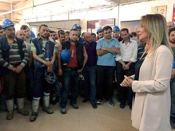 Aylin Nazlıaka: İşçiler için bıçak kemiğe dayanmış hatta kemiği kesiyor.